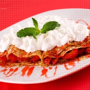 Crêpes with Strawberries and Whipped Cream